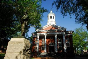 800px-loudoun_county_courthouse_in_leesburgvirginia