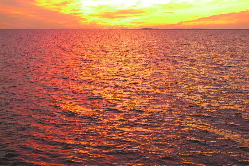 800px-sunset_-_eastern_bay_5