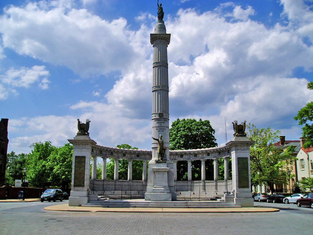 Monument_avenue_richmond_virginia
