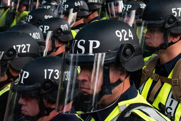 riot_police