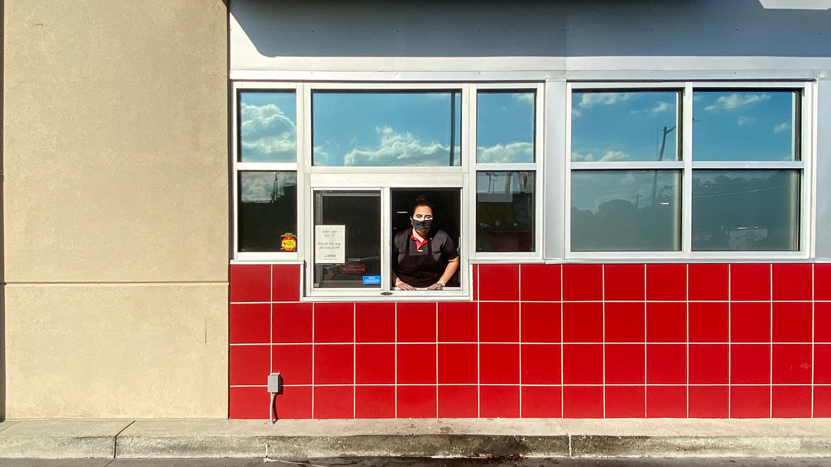 liz_zavala_essential_worker_at_harrisonburg_dairy_queen